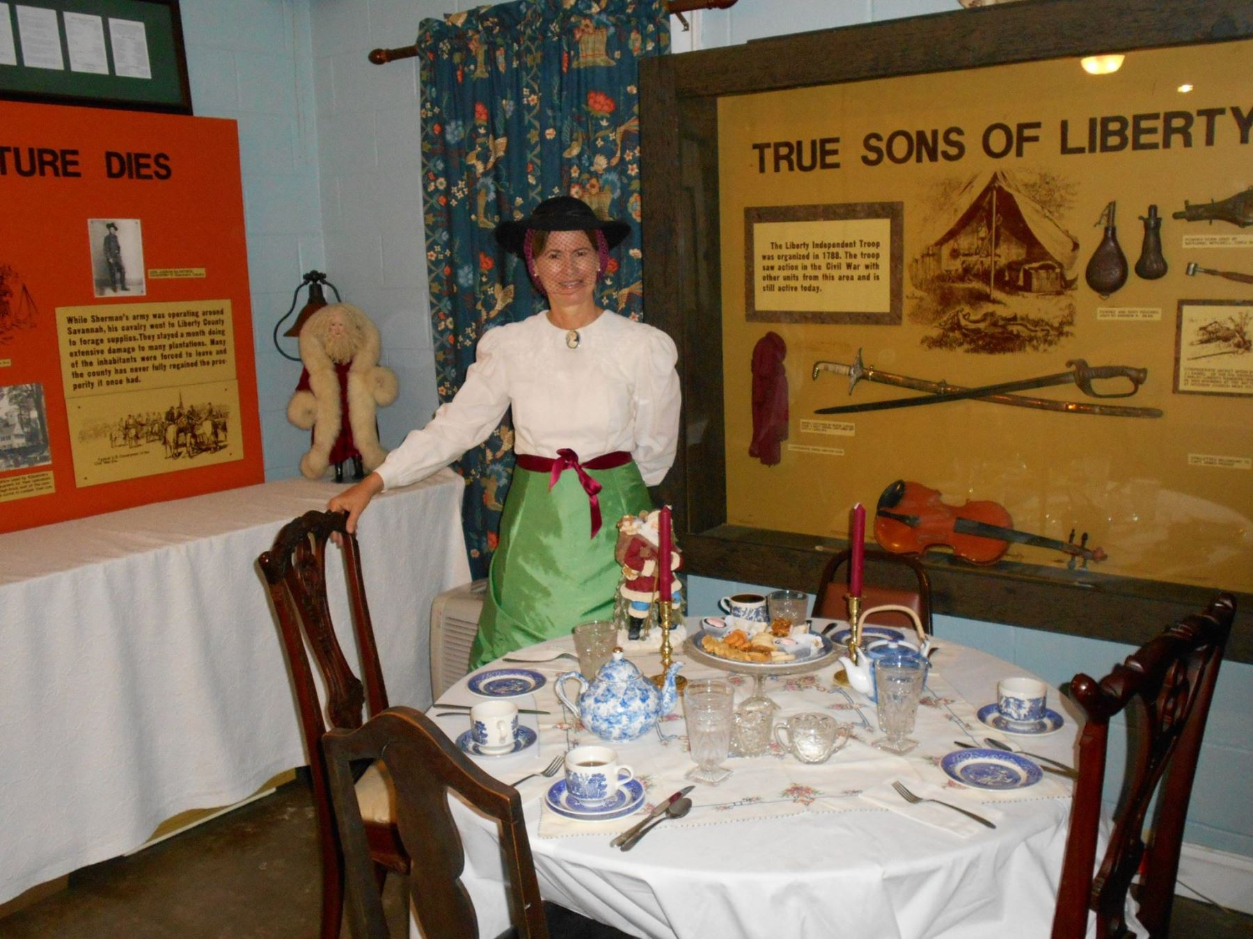 Midway Museum Christmas Tea