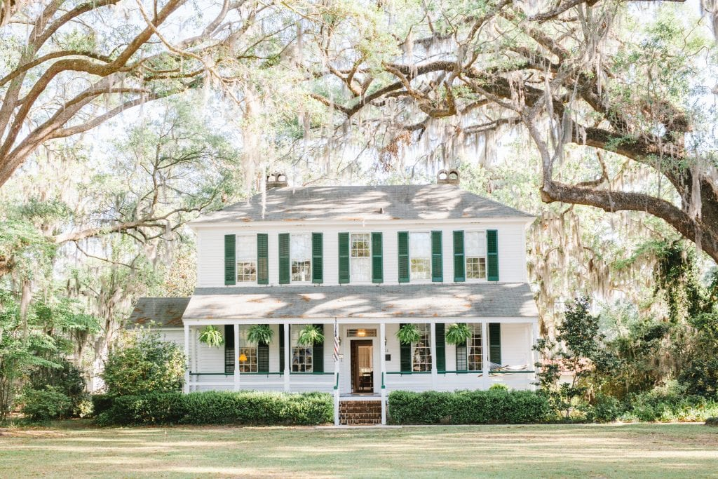 Bacon-Fraser House Yard and Porch: A Southern Home